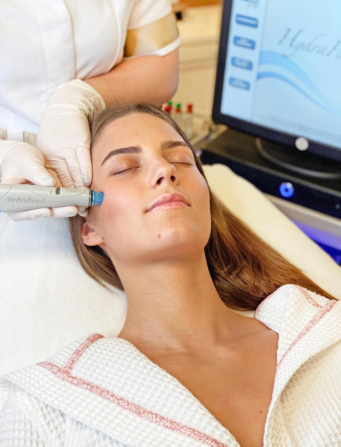 HydraFacial veido procedūra